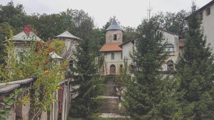 Istražujemo: bajkoviti dvorac Bosiljevo pred urušavanjem, prošlo je 5 do 12! Nisu ga pokorili ni Turci ni tajkuni, već spori birokrati