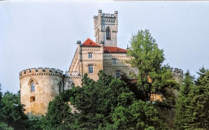 Napravit ću od Trakošćana, govorio je grof – takav grad, takav dvorac, kakvog neće biti nadaleko. Divit će mu se generacije, vidjet ćete!