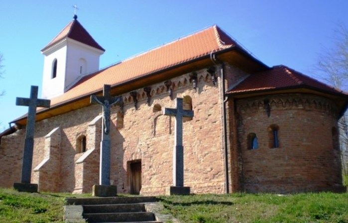 Bezbrojne molitve u crkvi na brežuljku kod izvora starijoj od svih drugih u tom kraju izgovaraju se stoljećima