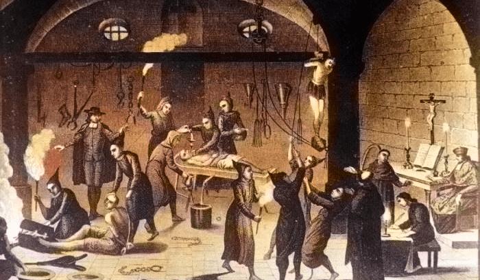 Malleus maleficarum znan i kao Vještičji malj, jedna od najzlokobnijih i najizopačenijih napisanih knjiga u Hrvatsku je stigla silom prilika