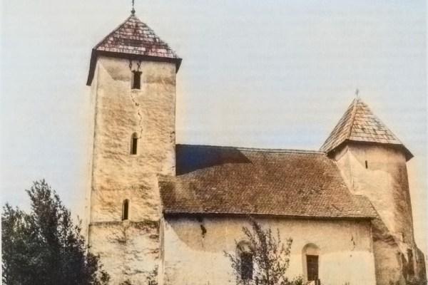 Sagrađena na vratima Zlatne doline, rijetka crkva - tvrđava nijemo svjedoči o vremenima junaka, bitaka, hajduka i glagoljaša