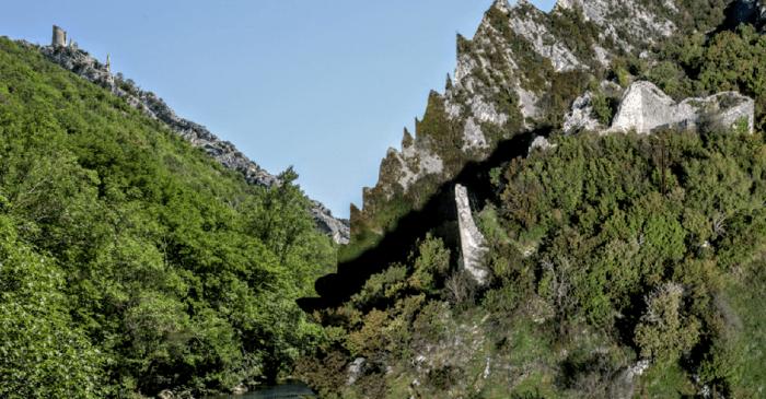 Starohrvatske utvrde Nečven i Trošenj koje stoljećima bdiju nad kanjonom rijeke Krke planiraju povezati visećim mostom