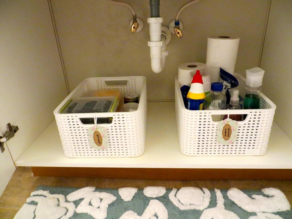 Organize a small apartment bathroom | Blair Blogs