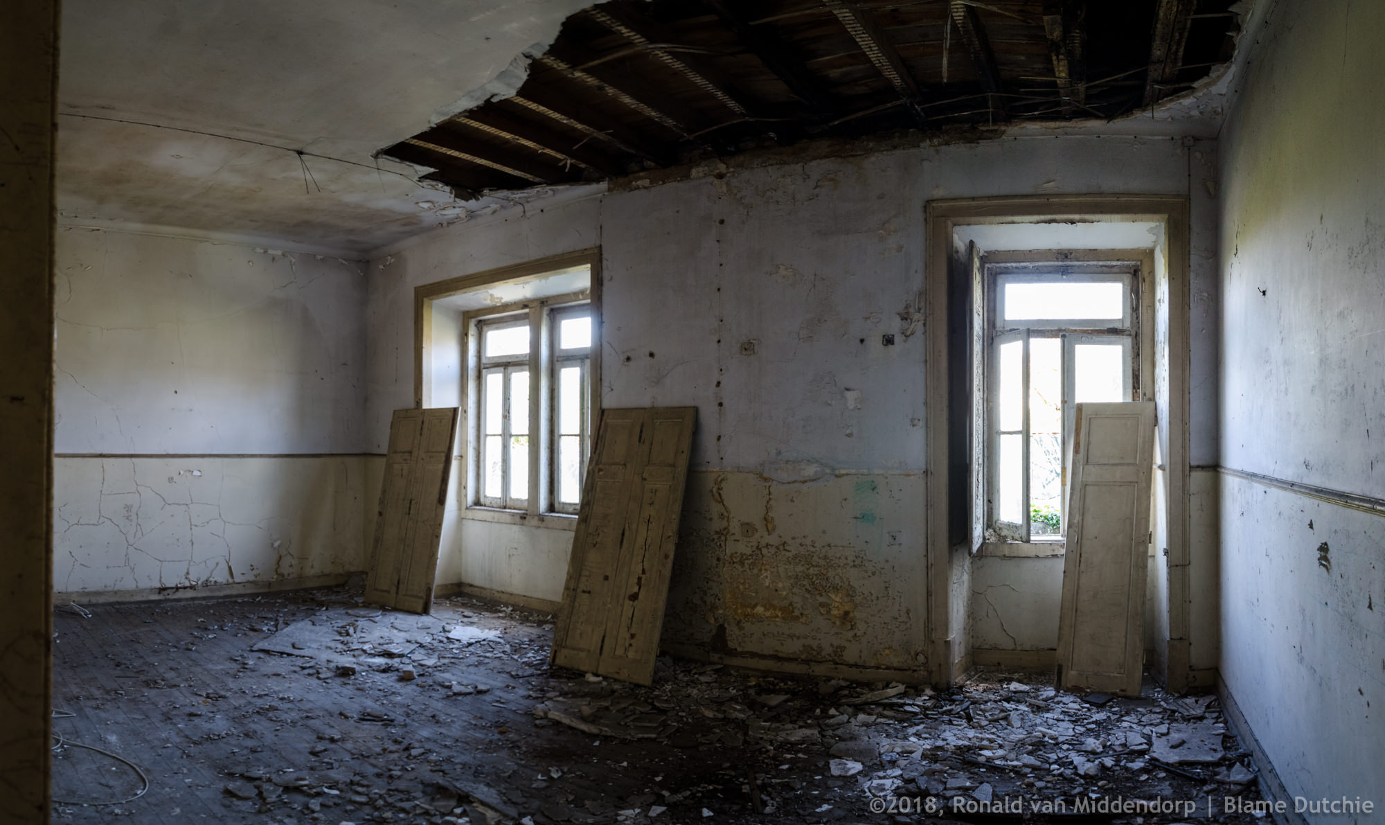 photo: abandoned room