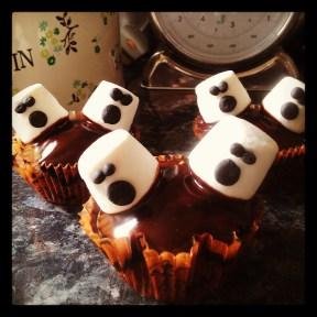 Marshmallow ghosts chocolate cupcakes