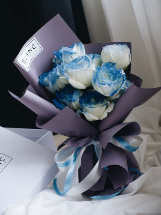 SAPPHIRE - BLUE ROSES | ROSE DYNASTY | BLANC SIGNATURE