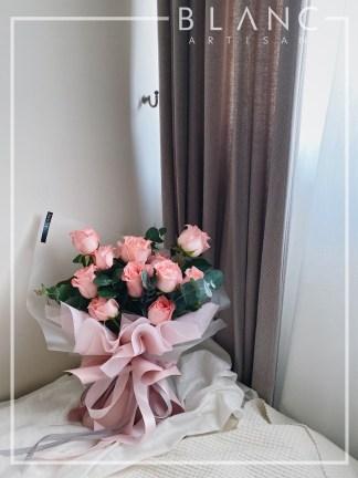 🌹 KUNZITE - PINK ROSES BOUQUET