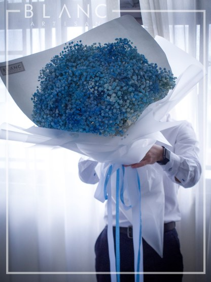 ☁️ ROME - LARGE BLUE BABY BREATH BOUQUET