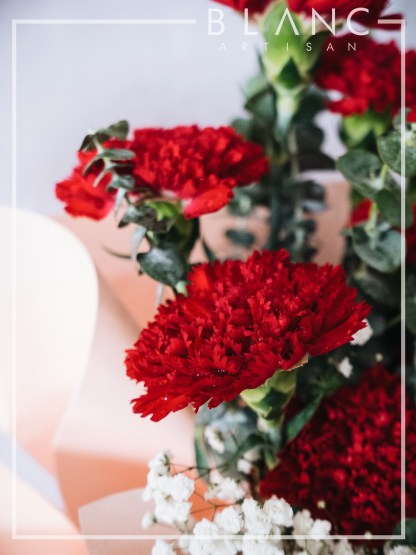 💐SUNDAY – MOTHER'S DAY RED CARNATION BOUQUET DELIVERY