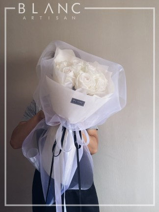 WHITE ROSES PROPOSAL BOUQUET DELIVERY