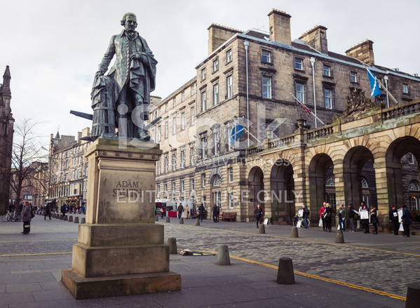 36284030-adam-smith-statue-in-edinburgh