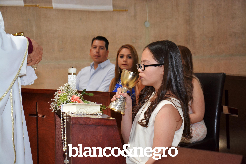 Comunion Ana Paola 094