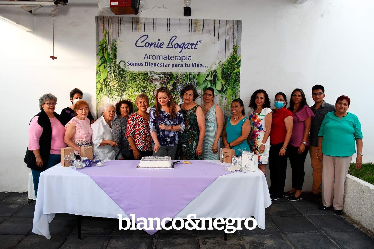 Conie-Bogart-041