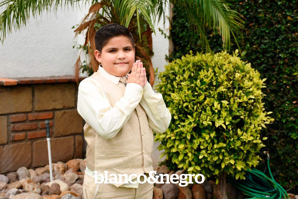 Comunion-Alonso-y-Bernardo-011