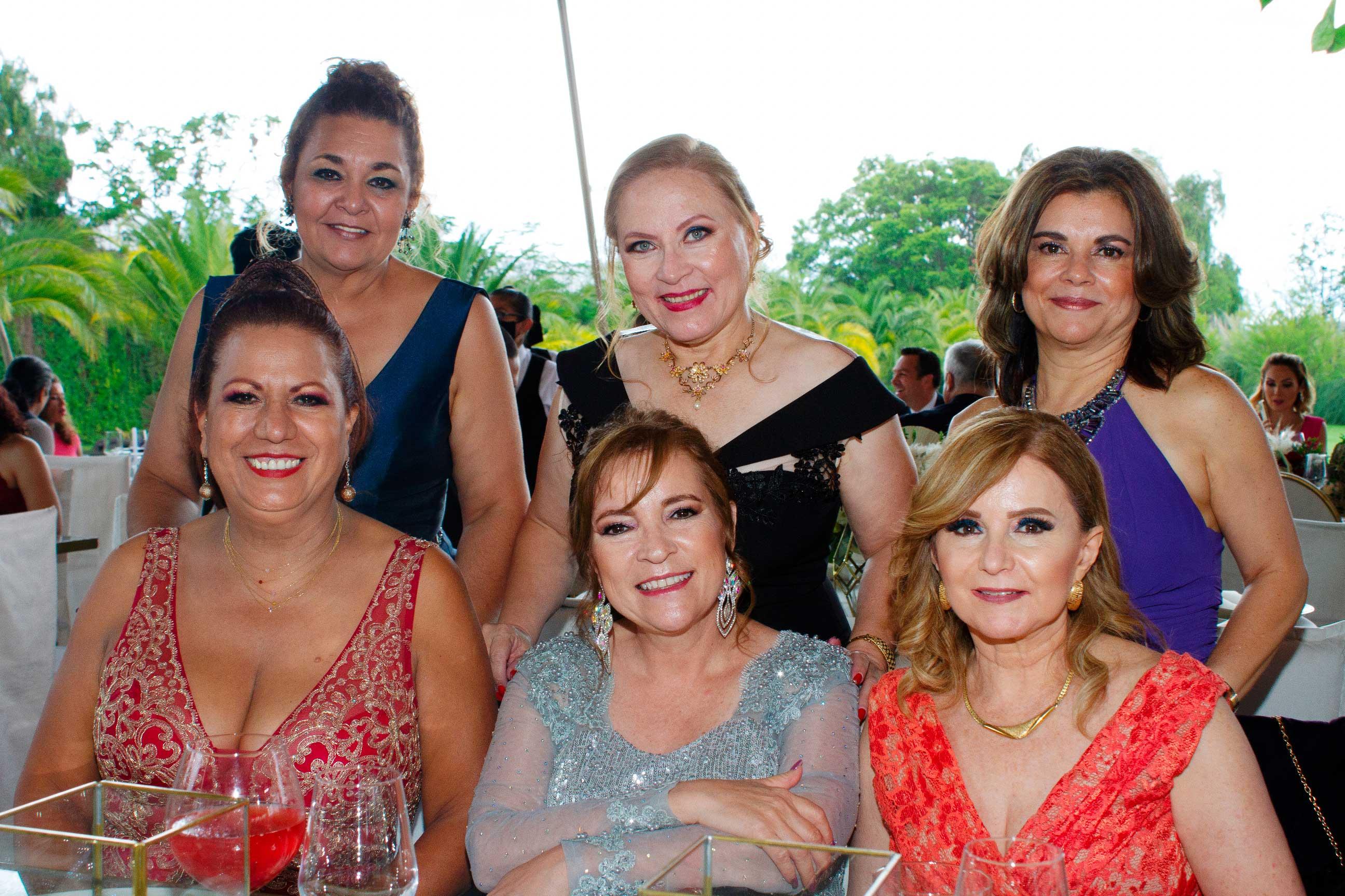 RICARDO-RODRÍGUEZ---Miriam-marroquín,-Paty-Aguilar,-Esperanza-Arias,-Martha-Campos,-Aide-Ramos,-Georgina-Comte