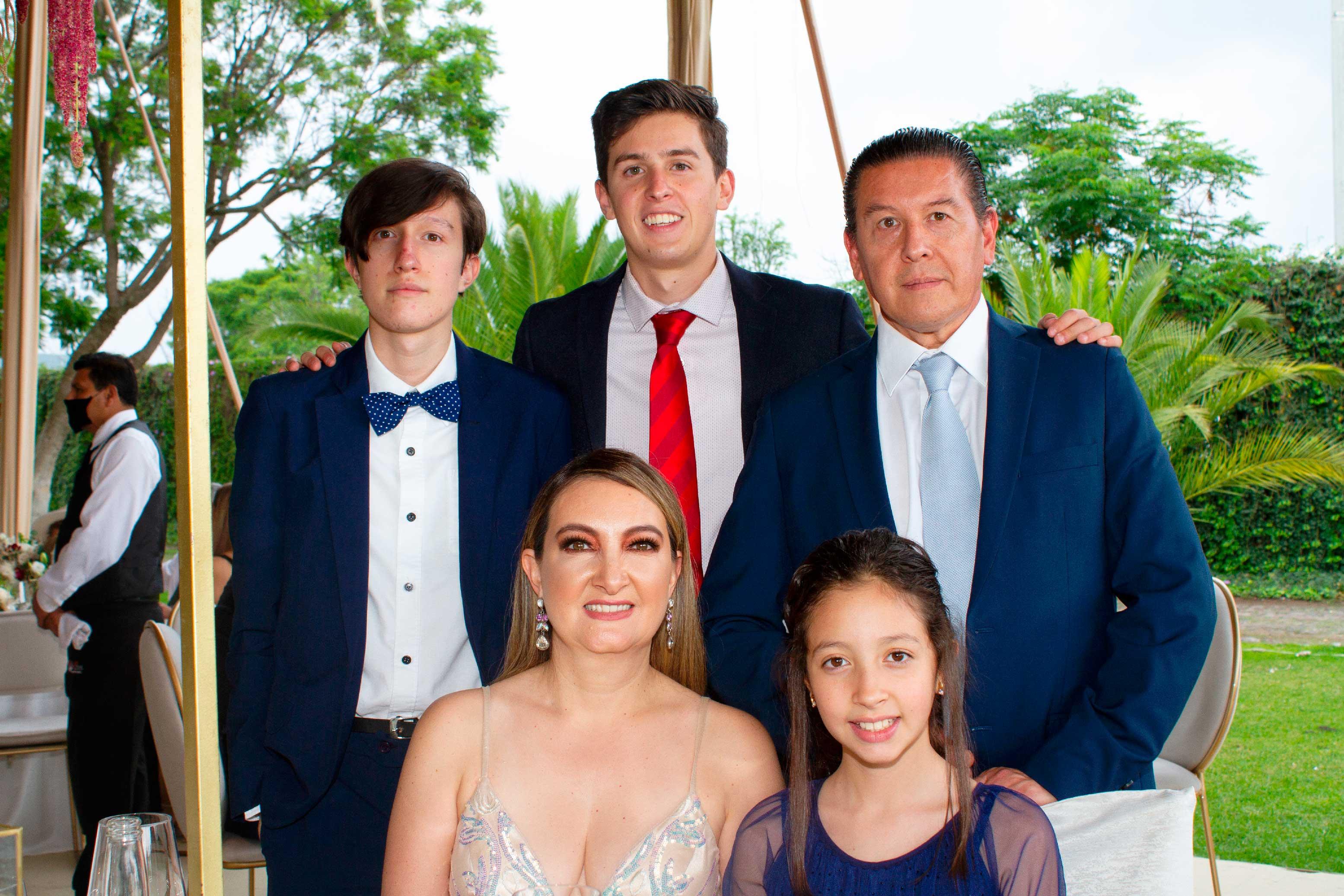 RICARDO-RODRIGUEZ---Sonia-González,-Daniel-Ariza-y-familia-