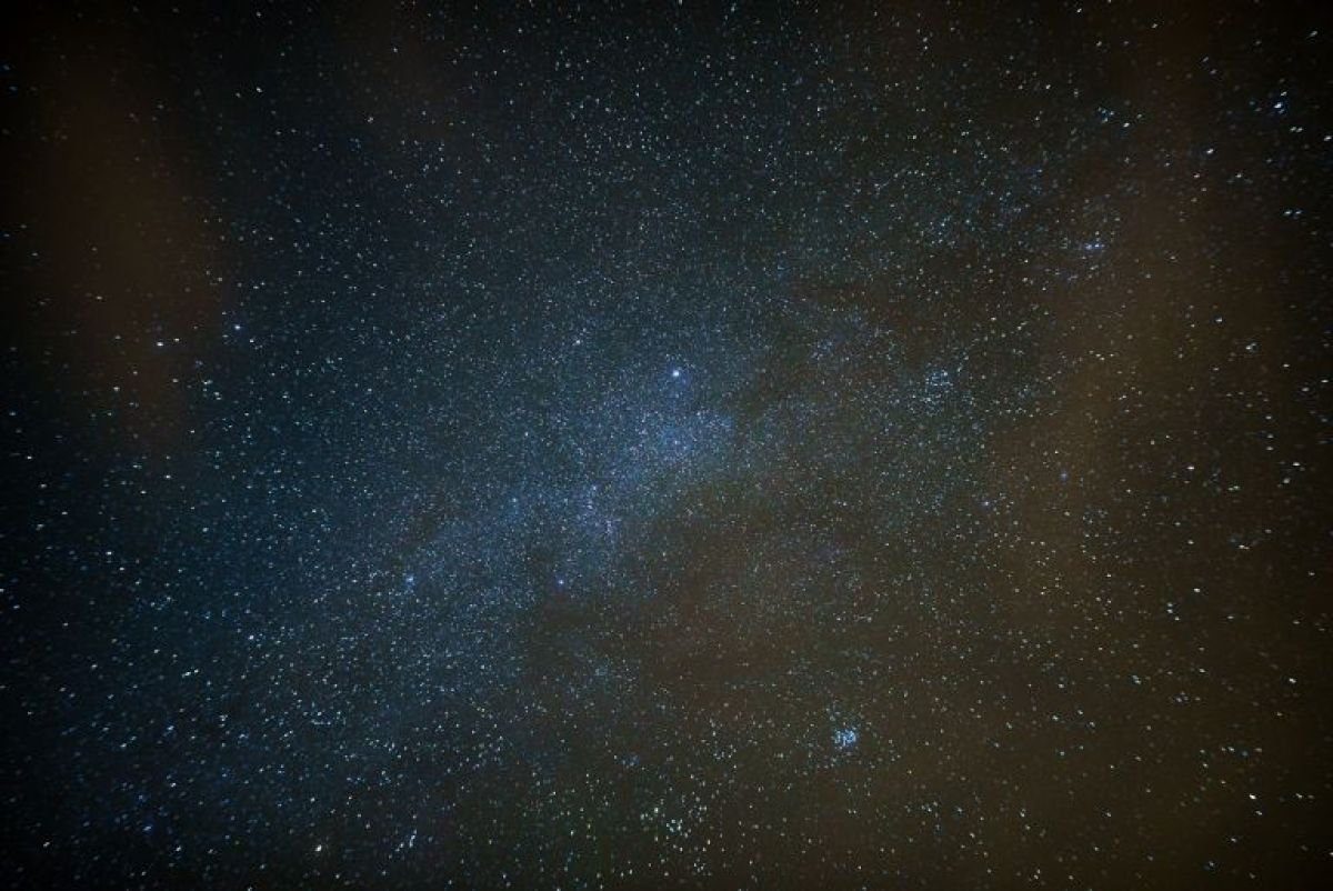 the sky at night with the sigma 20mm on a tracking mount
