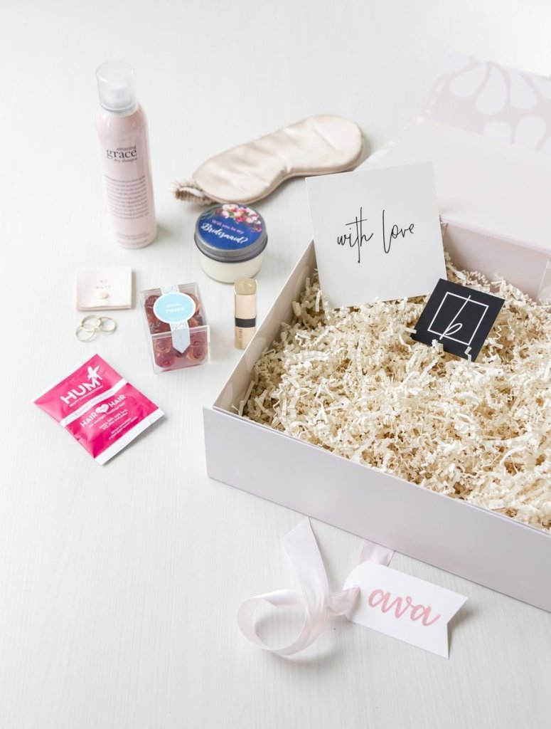 pass the rose - blankbox floral gift box with gifts