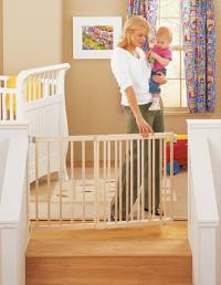 WIDE WOODEN STAIRWAY GATE STAIR STEP BABY/DOG/PET 5 FT