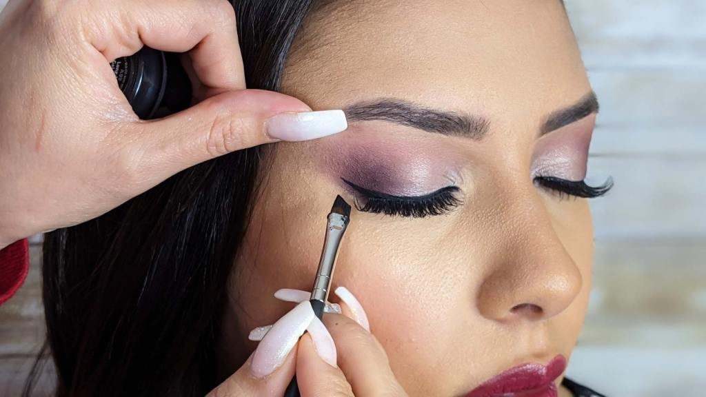 Eyeliner ,eye lashes, mascara & lips online course #3