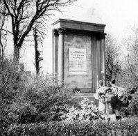 1930 Auchentibber War memorial