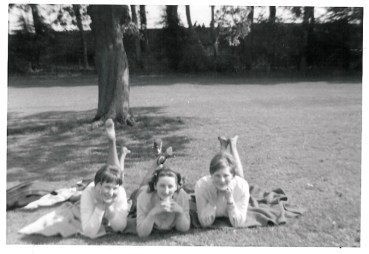 1965 Janet Duncan and friends