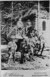1922 Men at the Hermitage & south bridge, Calderwood