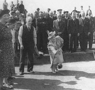1942 Queen visits Blantyre Miners Welfare
