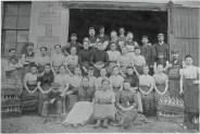 c1900 Robertsons Bottling Factory workers at Springwells