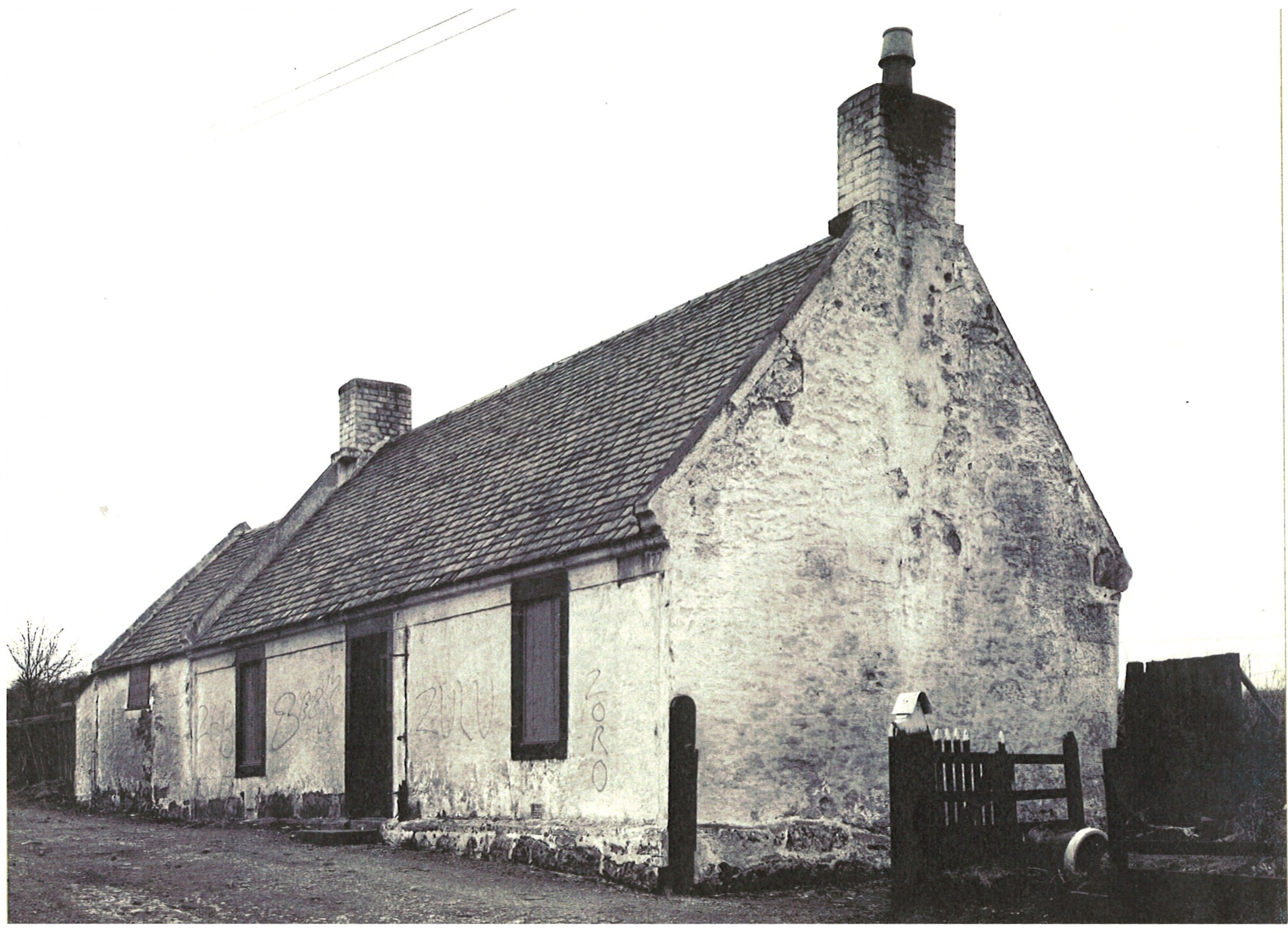 1960s derelict Smithycroft Cottage, Craigmuir Road
