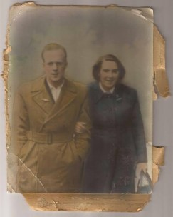 1952 Sandy & Ruby Strachan (sent in by Sadie Paterson)
