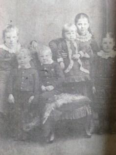 c1885 Catherine, Kate ,Thomas,Robert & Christina Brown