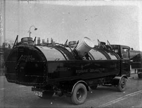1930s refuse lorry