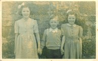 1944 Nancy, John & Margaret Duncan (PV)