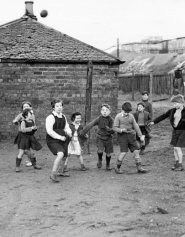1948 Children Playing at Priory Pit Rows