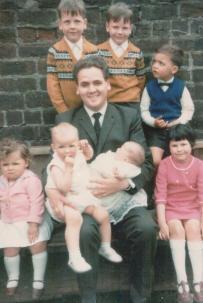 1969 Hugh Craig, with nieces and nephews