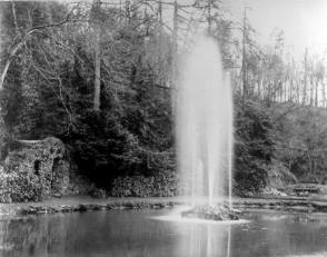 1921 summer pool fountain at Craigneith