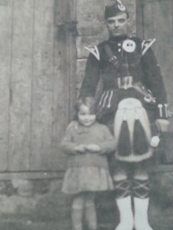1925 Isobel Paterson of Ulva Place and her brother, mother and uncle of Margaret Chalmers