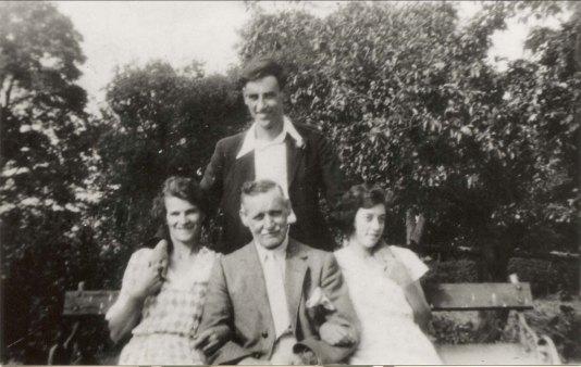 1934 Donald & Alexander Stewart, Beatrice Miller & Minnie Annabella Stewart shared by Alex Rochead
