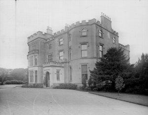 1905 Crossbasket House so well kept
