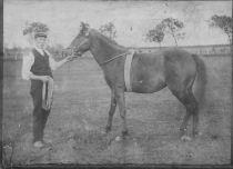 1920s Robert Main at Little Udston farm