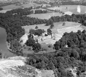 194 Bothwell Castle from Priory Colliery Bing, showing collapse into Clyde (PV)