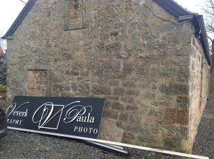 2015 Photography Sign goes on at Croftfoot in March (PV)