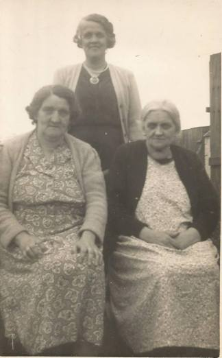 1962 Mary Christine & Janet Baird. Shared by J Cochrane