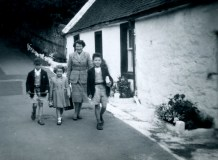1957 The Park family at Peth Brae. Shared by George Park