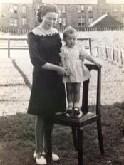 1946 The Hutchesons at Auchinraith Terrace.