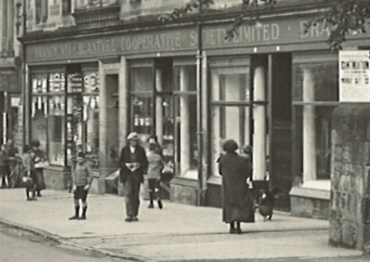 1927 Shoppers outside the High Blantyre Co-operative stores