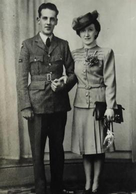 1941 Jim and Gladys Smith . Wedding High Blantyre. Shared by N Scott