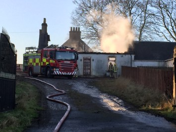 Auchentibber Farm Fire 8th Dec 2015. Photo by A Rochead