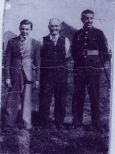 1940 David Mullholland & family at Maxwell Cres